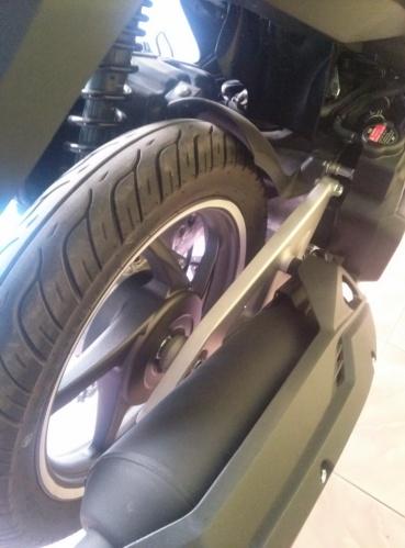 Pasang disc brake di sini Plz.
